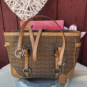 LIKE NEW Coach canvas leather shoulder bag F12346